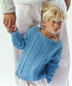 Blauer Kinderpullover mit Strukturmuster und Zöpfen, 6053 - Gratisanleitung