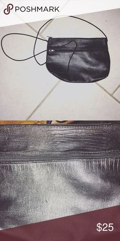 Vintage leather cross body purse Measurements are- 6.5 by 7.5 like new condition. Bags Mini Bags