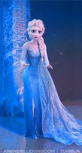 frozen queen Elsa Thanks to the Disney movie Cinderella and Frozen, the blue prom dresses are definitely the most sought-after prom styles Frozen Disney, Frozen And Tangled, Frozen Heart, Frozen Elsa And Anna, Olaf Frozen, Walt Disney, Disney Love, Frozen Fan Art, Frozen 2013