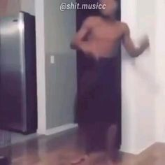 Really Funny Memes, Funny Facts, Funny Relatable Memes, Tik Tok Music, Retro Videos, Music Memes, Funny As Hell, Funny Short Videos, One Piece Manga