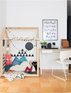 Make a play area in a living room (even in small spaces) // house shaped reading nook