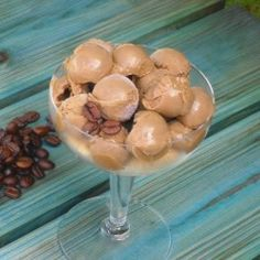coffee ice cream (very easy) easy homemade recipe step by step Ice Cream Candy, Ice Cream Treats, Recipe Steps, Recipe Link, Recipe Box, Easy Homemade Recipes, Great Recipes, Grilled Cheese Recipes, Good Food