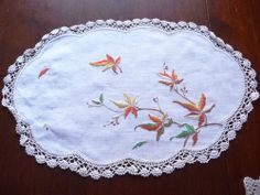 Gorgeous Vintage Hand embroidered Linen Traycloth or Centrepiece - Ref 2