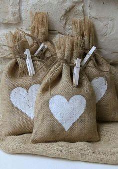 Dia dos Namorados: 15 ideias de presentes para fazer em casa   MdeMulher