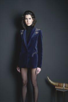 Guarda la sfilata di moda Blazé Milano a Milano e scopri la collezione di abiti e accessori per la stagione Collezioni Autunno Inverno 2016-17.
