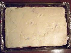 Trzeci Talerz: Morze Czarne - ciasto czekoladowe pod bezą Dairy, Cheese