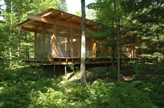 Les Abouts / Atelier Pierre Thibault - Architecture and Home Decor - Buildings - Bedrooms - Bathrooms - Kitchen And Living Room Interior Design Decorating Ideas Architecture Design, Woodland House, Cabin In The Woods, Log Cabin Homes, Log Cabins, Small Cabins, Modern Architects, Inside Design, Prefab Homes