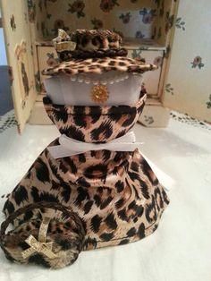 Vestito e cappello leopardato
