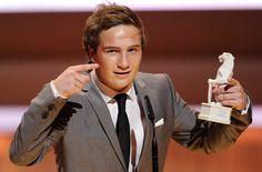 Frederick Lau with the Price Trophy at the  awards show of the Bayerischer Fernsehpreis © Süddeutsche Zeitung
