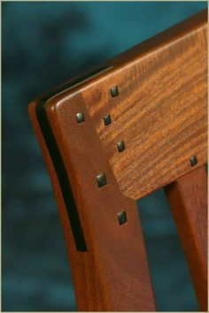 Greene and Greene Bench joinery detail by Darrell Peart at…