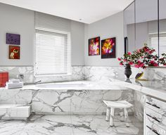 The 5 Things Every Modern House Needs Photos | Architectural Digest - graphic marble (=)