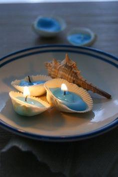 貝殻にロウを入れて小さなキャンドルに。キャンプなどの屋外で気軽に安心して、雰囲気を楽しむことができます♫