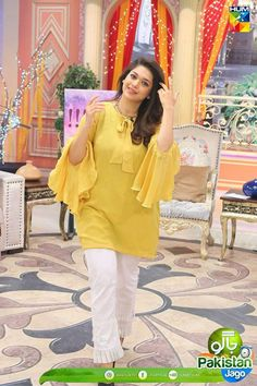 60 Best Sanam Jung Dresses in Black, White, Blue, Red, Pink Sleeves Designs For Dresses, Dress Neck Designs, Stylish Dress Designs, Stylish Dresses, Simple Dresses, Blouse Designs, Casual Dresses, Eid Dresses, Pakistani Fashion Party Wear