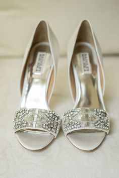 Perfect wedding shoes! Our idea of the modern glass slipper! Photography: Melani Lust Photography - melanilustphotography.com