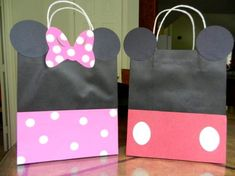Minnie and Mickey Mouse birthday goodie bag ideas Theme Mickey, Minnie Mouse Theme Party, Minnie Mouse 1st Birthday, Mickey Y Minnie, Mickey Party, 1st Birthday Girls, 3rd Birthday Parties, Mouse Parties, Birthday Ideas