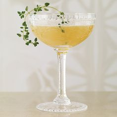 Tea Thyme - this gorgeous cocktail features English Breakfast-steeped vodka, honey, and thyme.