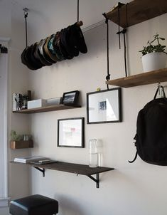 A masculine bedroom (that's tidy!) - desire to inspire - desiretoinspire.net