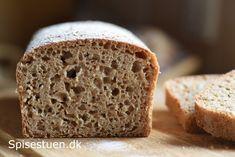 Jeg har udviklet en opskrift på det skønneste fuldkornsbrød med ølandshvede :-) Super saftigt og lækkert brød! Skønt til morgenmad, med pålæg i madpakken eller til frokost. Det er også et rigtig go…