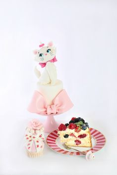 Ecco le creazioni di Sugar Queen fotografate da Lucia Dovere.  All barry