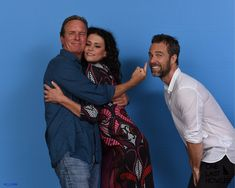 And @lindenashby decides he wants the girl! @MelissaPonzio1 @iamjrbourne