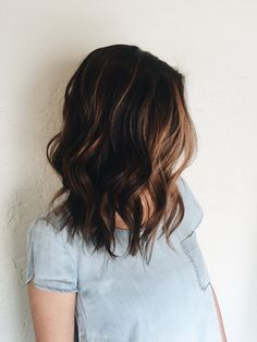 """503 Service Unavailable Lob haircut and Balayage highlight done by stylist Mola Raxakoul"""", """"pinner"""": {""""username"""": """"first_name"""": """"Hairstyles"""", """"domain_url"""": """"is_default_image"""": false, """"image_medium_url"""":. Ombré Hair, New Hair, Curly Hair, Messy Hair, Messy Lob, Medium Hair Styles, Short Hair Styles, Brown Hair Balayage, Balayage Highlights"""