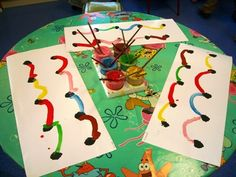 Paint the arches made with pipe cleaners and clay on a table top - See earlier pin! Math Projects, Projects To Try, Motor Activities, Activities For Kids, Form Drawing, Pre Writing, Process Art, Art Graphique, Preschool Art
