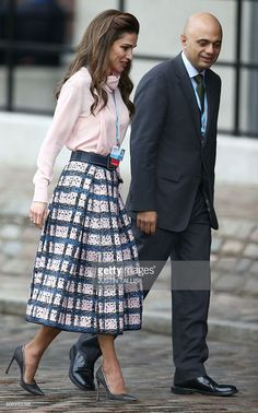queen-rania-of-jordan-arrives-at-the-qeii-centre-in-central-london-on-picture-id508282348 (639×1024)