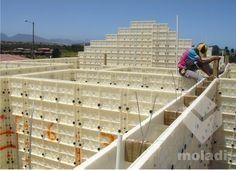 Moladi House Construction System Building A House, Multi Story Building, Low Cost Housing, Building Systems, Concrete Design, Construction, Cottages, Afro, Plastic