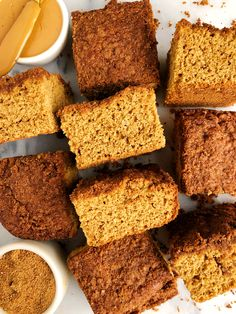 The Best Healthy Snickerdoodle Cake Bars (gluten-free + dairy-free) - rachLmansfield Paleo Dessert, Dessert Recipes, Brunch Recipes, Fall Recipes, Cake Bars, Cinnabon Cake, Snickerdoodle Cake, Vegan Peanut Butter, Cupcakes