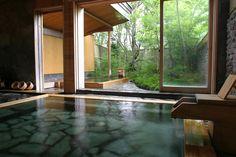【由布院】空気、湯、緑が三位一体「玉の湯」で癒しを。
