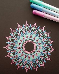 mandala with gel pen on black paper Mandala Doodle, Henna Mandala, Mandala Drawing, Doodle Art, Gel Pen Art, Gel Pens, Pen Doodles, Wow Art, Zentangle Patterns
