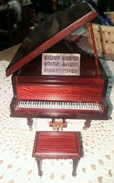 1:12 Scale Dollhouse Miniature Music Instrument White Grand Piano /& Stool HE005D