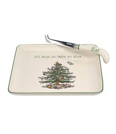 It wouldn't be Christmas without the iconic Spode Christmas Tree Collection. The epitome of fine holiday entertaining since its introduction in this beloved pattern beautifully captures the festive spirit of the season. Spode Christmas Tree, Christmas Tree Pattern, Christmas Dishes, Green Christmas, Country Christmas, Christmas Holidays, Christmas Ideas, Christmas Tree Collection, Christmas Tree Inspiration
