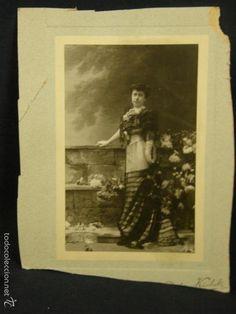 Fotografía retrato mujer de pie vestido fiesta aristocracia española ppios S XX fotgf Kaulak - Foto 1
