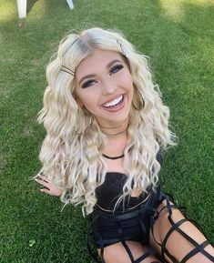 Loren gray at coachella 2019 (weekend (pics) – sexy a. Coachella Birthday, Half Up Curls, Forever Girl, Great Smiles, Loren Gray, Grey Outfit, Hair Today, Ulzzang Girl, Cool Hairstyles