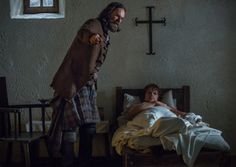 """Below are the official photos released for the sixteenth and final Season One episode of Outlander, """"To Ransom a Man's Soul."""" Those characters that can be seen in the photos are Claire (Caitriona Balfe), Jamie (Sam Heughan) and Murtagh (Duncan Lacroix). Jamie Fraser, Claire Fraser, Outlander Season 1, Outlander Casting, Diana Gabaldon Books, Diana Gabaldon Outlander Series, Outlander Book Series, Sonia Gomez, Wayfarer"""