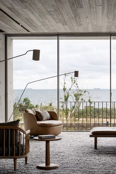 〚 Concrete and wood: calm minimalism by the ocean in Australia 〛 ◾ Photos ◾ Ideas ◾ Design Zara Home, One Kings Lane, Crate And Barrel, Flat Design, Modern Design, All I Want For Christmas, Concrete Interiors, Madeira Natural, Australia Photos