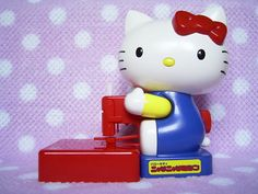 Vintage HELLO KITTY TOY Figure Sewing Machine Toy MADE IN JAPAN 1986