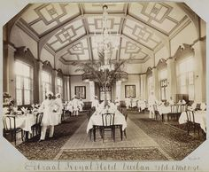 Anonymous | Afrika, Royal Hotel interieur eetzaal in Durban (Natal), Anonymous, 1890 - 1896 | Local History, Family History, Anonymous, South Africa, Trains, Taj Mahal, Cities, Hotels, Vintage