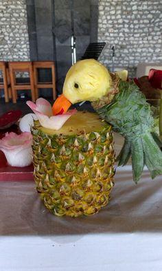 Fruitcarving at Komandoo