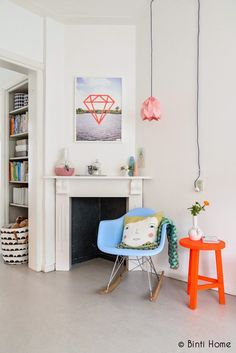 Going Dutch with white and splashes of colour Interior Design Inspiration, Decor Interior Design, Home Decor Inspiration, Decor Ideas, Home Decor Bedroom, Living Room Decor, Living Spaces, Teintes Pastel, Home Decor Colors