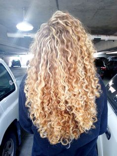 Long Curly Hair Color Ideas Curly Blonde Wig Lace Hair - Page 2 of 31 - Easy Hairstyles Long Blonde Curly Hair, Colored Curly Hair, Blonde Curls, Big Hair, Wavy Hair, Blonde Hair Perm, Long Layered Curly Hair, Curly Layers, Blonde Afro