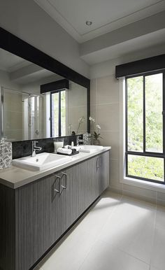 Interior and Exterior Designs & Ideas 72 Inch Bathroom Vanity, Exterior Design, Interior And Exterior, Home Reno, Finding A House, House Colors, Bathroom Ideas, Bathroom Inspo, Interior Decorating