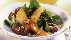 Entenleber mit fruchtigen Rapunzelsalat