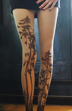 Hand-Painted Tights Create the Illusion of Striking Tattoos Inked on Your  Legs