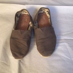 Gray Toms Gray Toms. Has some wear but good condition! TOMS Shoes Flats & Loafers