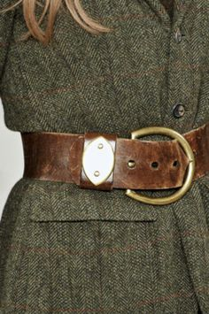 tweed and leather are such great partners...