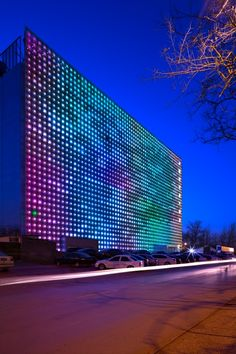 The Zero Energy Media Wall by Simone Giostra & Partners is world's largest LED display #architecture - ☮k☮ - modern