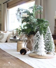 A French Farmhouse Christmas in the Family Room French Farmhouse Christmas in the Family Room Always aspired to discover ways to knit, although uncertain where do you s. French Country Christmas, Country Christmas Decorations, Cottage Christmas, Farmhouse Christmas Decor, Christmas Home, Holiday Decor, Christmas Kitchen, Country French, Seasonal Decor