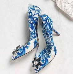 85.00$  Watch now - http://ali3lq.worldwells.pw/go.php?t=32791851498 - Women High Heels Fashion Luxury Crystal Wedding Shoes Blue And White Porcelain Blue Rhinestone Pointed Toe Slip-on Dress Shoes